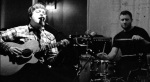 Der englische Musiker Troy Faid kommt mit Tim Loud ins Filou - Die Kneipe